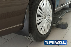 Брызговики задние Rival для Volkswagen Polo седан 2015- н.в., полиуретан, 2 шт., с крепежом, 2580400